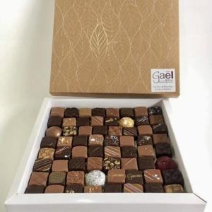 ballotin de chocolats ganaches et pralinés